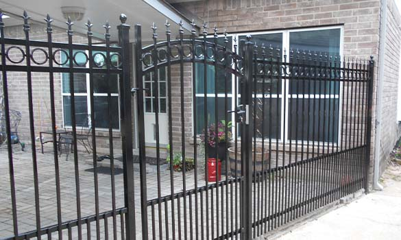 Ornamental Iron Fencing Aside Image